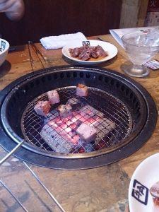 牛角で焼肉