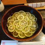 大阪北浜にある蕎麦屋の土山人ですだちそばを食べてきた